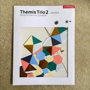 Artecnnica Themis Trio 2 Mobile